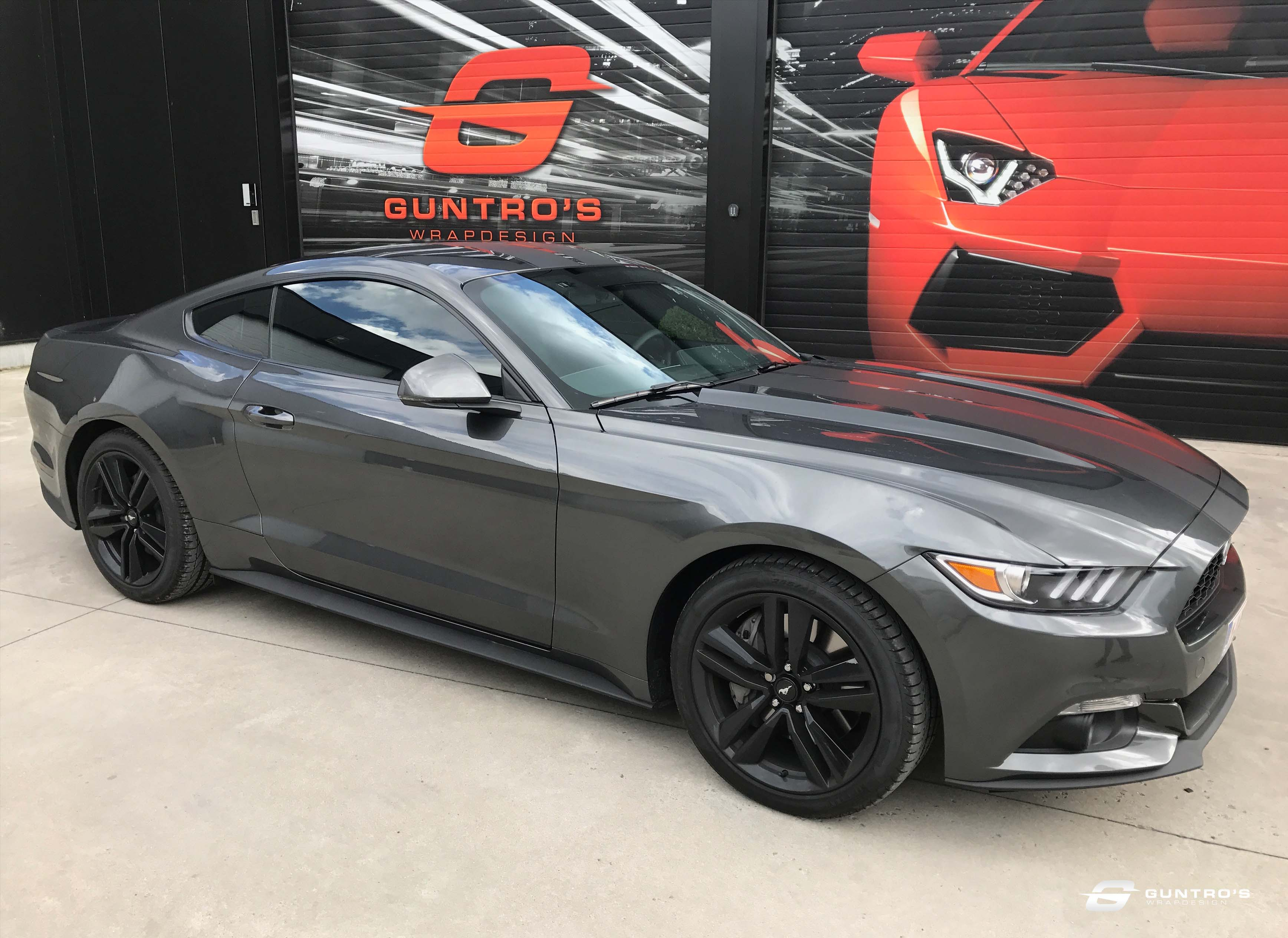 ACCENT STRIPING FORD MUSTANG